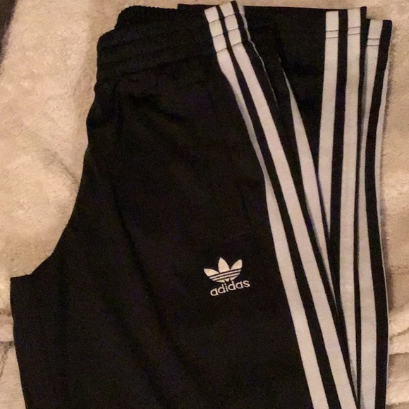 adidas pants girl